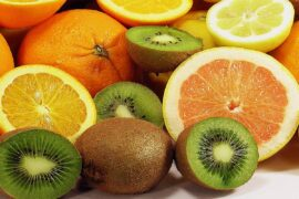 arance e kiwi, frutta aprile
